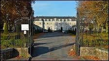 Je vous emmène à La Montagne visiter le château d'Aux. Commune de l'arrondissement de Nantes, elle se situe dans le département ...