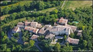 Je vous emmène dans le Lauragais à la découverte de Montauriol. Petit village de 85 habitants, dans l'arrondissement de Carcassonne, il se trouve dans le département ...