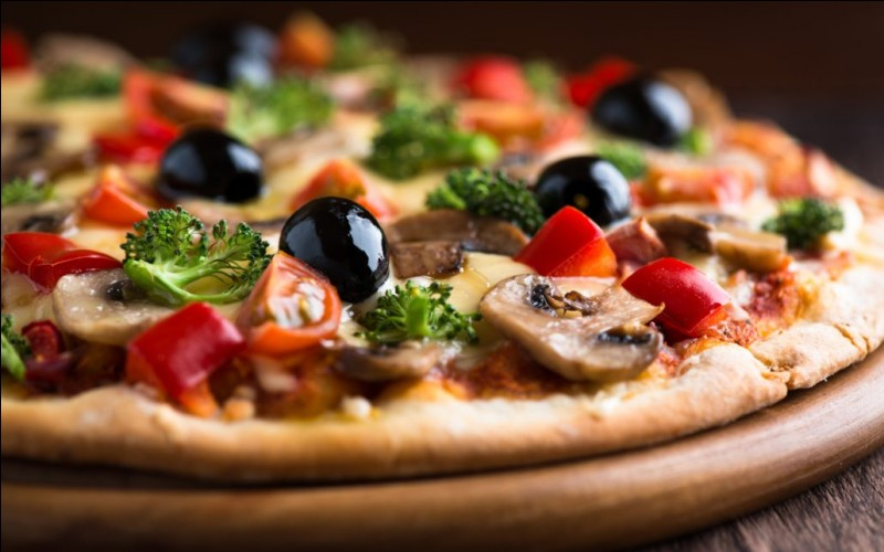 Malgré cette différence de prix entre les régions, quel est le prix moyen d'une pizza en France ?