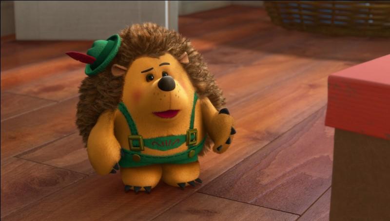 """Comment s'appelle cette peluche hérisson, dingue de théâtre, et personnage de """"Toy Story 3"""" et autres courts métrages ?"""
