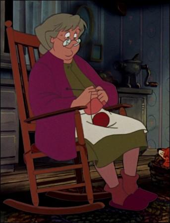 Comment s'appelle cette veuve qui a élevé le renard Rox ?