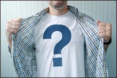 Qu'est-il marqué sur le t-shirt de Garwin Chang, l'humain de la classe de Sophie ?