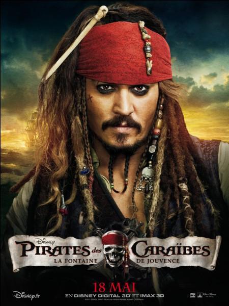 """Lancée en 2003, la saga """"Pirates des Caraïbes"""" raconte l'histoire de Jack Sparrow, un pirate fantasque qui parcourt les mers à la recherche de trésors avec son fidèle ami..."""
