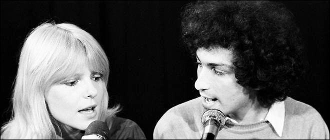 """R - Dans la comédie musicale """"Résiste"""", France Gall met en scène les chansons de Michel Berger."""