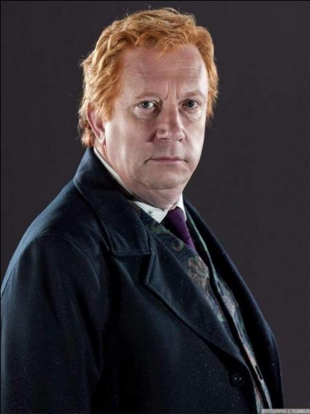 """Dans """"Harry Potter et l'ordre du Phénix"""", par qui se fait attaquer Mr Weasley ?"""