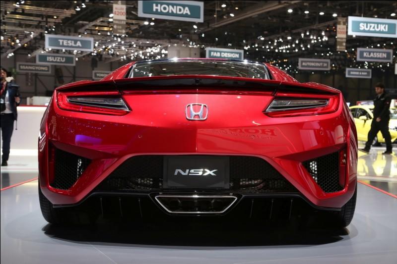 En quelle année Honda décide-t-il de faire une deuxième génération de la NSX ?