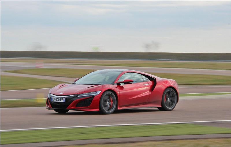 Quelle est la vitesse de pointe de cette voiture ?