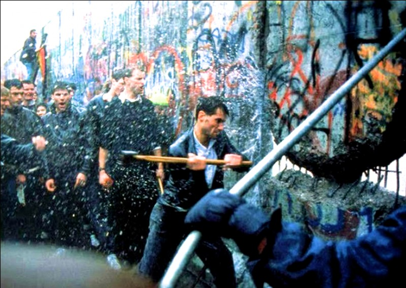 En quelle année a-t-on assisté à la chute du mur de Berlin ?