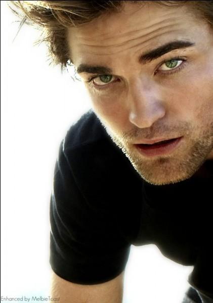 En 2009, il partage la vedette avec l'ex James Bond Pierce Brosnan, dans quel film ?