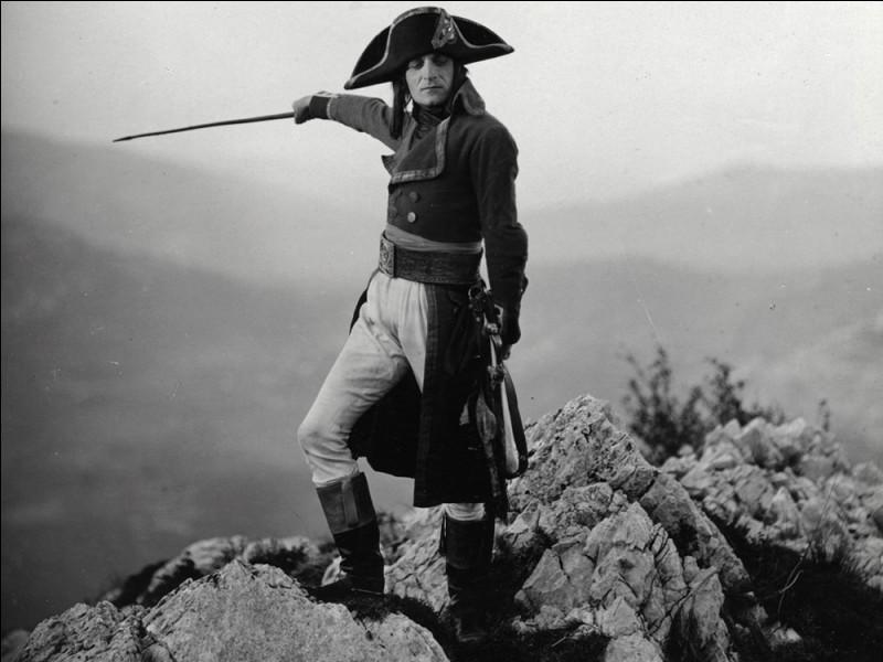 Qui interprète le rôle titre dans le ''Napoléon'' d'Abel Gance ?