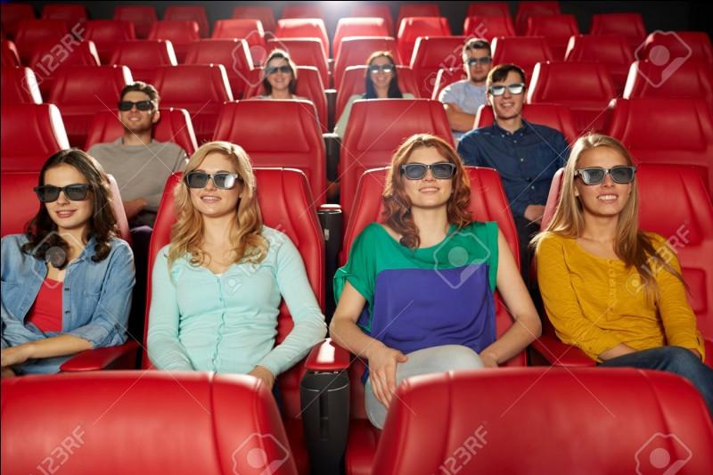 Ton ami(e) est triste et te propose un ciné mais tu n'aimes pas le film qu'il ou elle veut aller voir. Que fais-tu ?