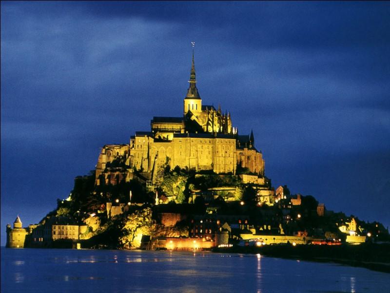Dans quelle région le Mont-Saint-Michel se situe-t-il ?