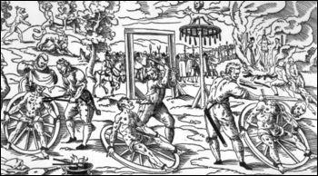 Attaché, le condamné se voyait briser les membres par le bourreau...