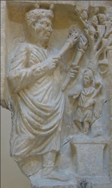 En quoi Cybèle transforme Attis après sa mort ?