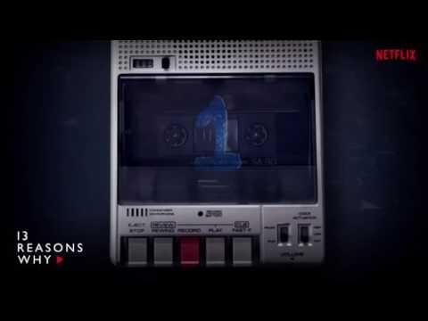 """Dans la série """"13 Reasons Why"""", qui apparaît sur la première cassette ?"""
