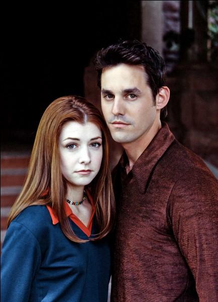 [La métamorphose de Buffy] : Au début de l'épisode Alex met de la glace sur le nez de Willow ; à quel parfum ?