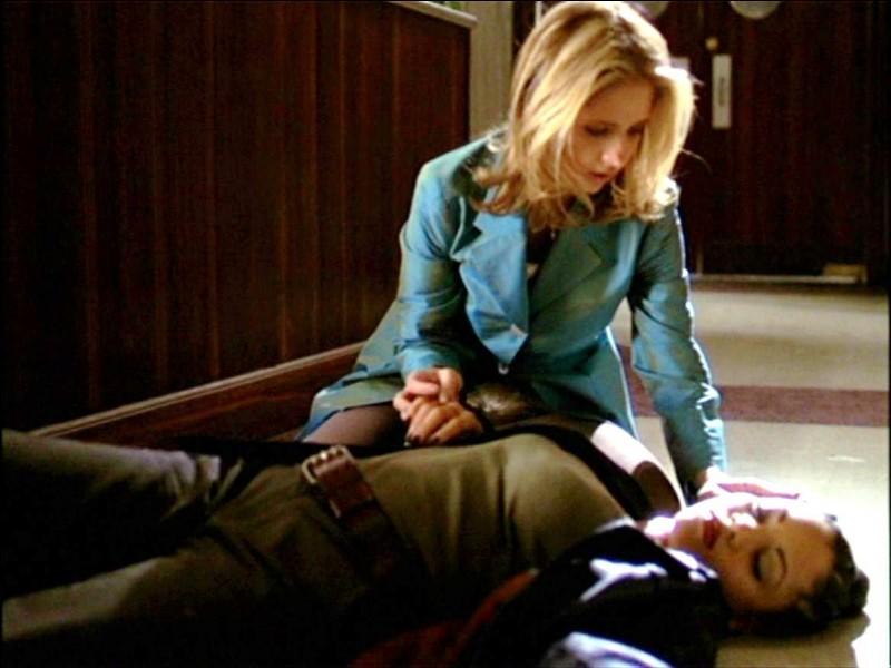 [Acathla 1] : Kendra revient à Sunnydale et se fait tuer par...