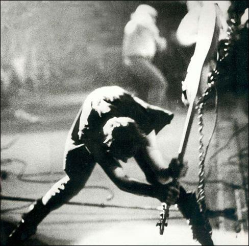 Cette photo a été celle d'un album des Clash. Lequel ?