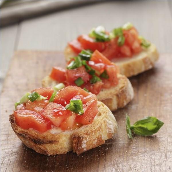 La bruschetta était à l'origine un plat pauvre servi aux paysans pour utiliser le vieux pain.