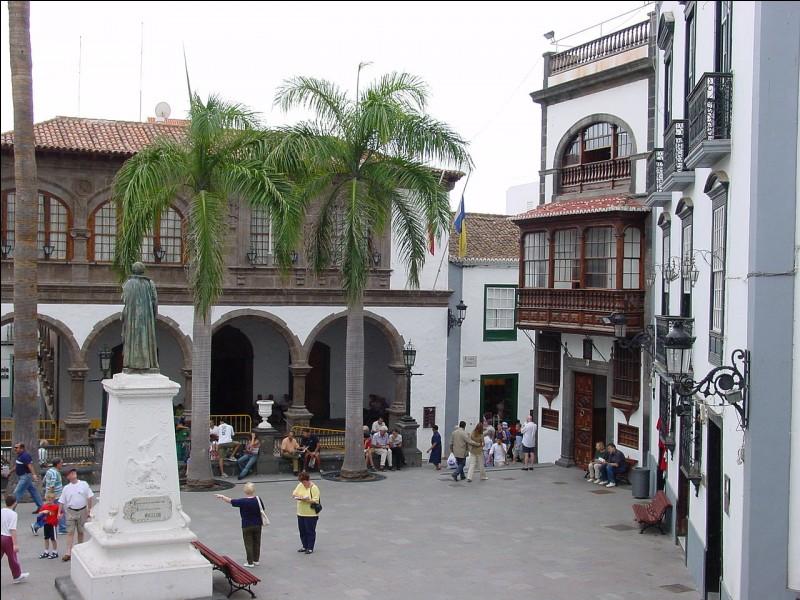 Commune des îles Canaries en Espagne, je suis la capitale de l'île de La Palma. Quel est mon nom ?