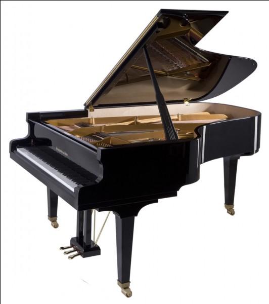 Un piano tombe à l'eau, lorsqu'on le remonte ...