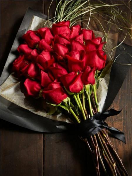 Si vous offrez un joli bouquet de roses, combien en offrirez-vous pour respecter les règles du savoir-vivre et de la décoration ?