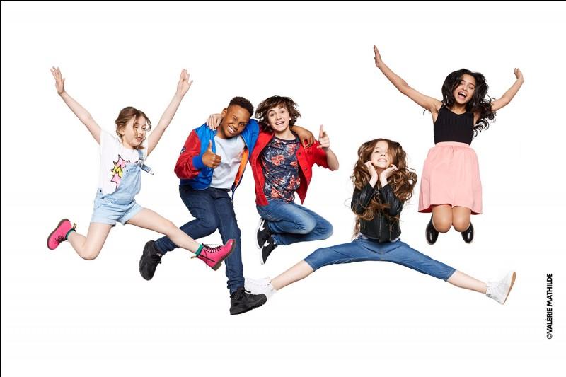 """""""Kids United"""" est un groupe de musique français formé de cinq enfants adolescents."""