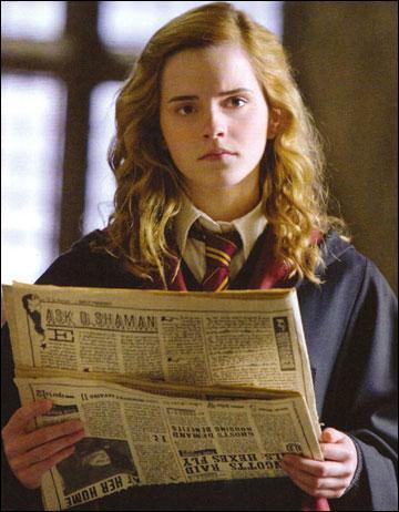 Qui invite t'elle à la soirée de Noel de Slughorn en sixième année ?