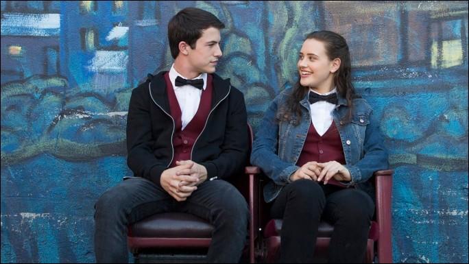 Quel est le lieu de travail de Hannah et Clay ?