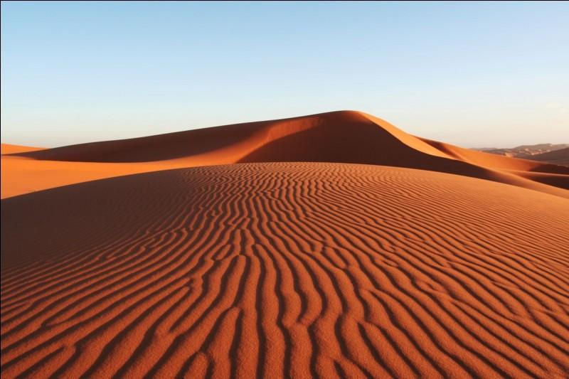 De quelle couleur est le sable ?
