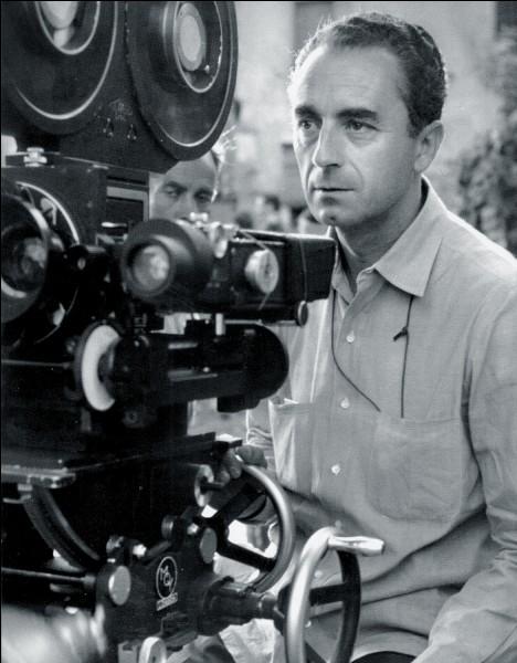 Il est l'un des rares réalisateurs à avoir remporté les trois plus hautes récompenses des festivals de Cannes, Berlin et Venise. Passionné de musique, il donna son premier concert en tant que violoniste à 9 ans. Michelangelo Antonioni n'a pas réalisé :