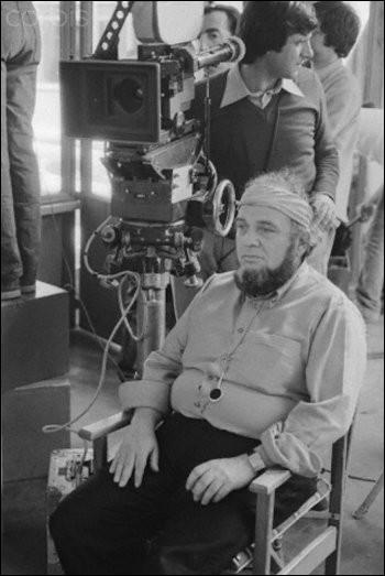 Il fit des études de vétérinaire, réalisa des documentaires ainsi que des films publicitaires avant de devenir producteur. Il se désignait lui-même comme un cinéaste du mauvais goût tant les sujets qu'ils abordaient étaient sulfureux. On se souvient d'un célèbre film ayant fait scandale à Cannes en 1973.Marco Ferreri n'a pas réalisé :