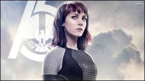 Pourquoi Johanna coupe-t-elle le bras de Katniss ?