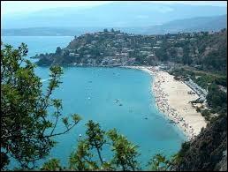 Une ville nommée Violetta comme l'héroïne de la série argentine se trouve au sud de l'Italie.