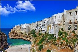 Bari est une ville italienne.