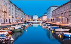 Est-ce que l'on peut visiter la ville nommée Trieste en Italie ?