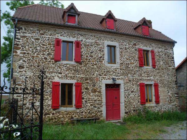 Quel est le style architectural de cette maison ?