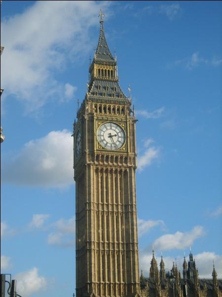 Regardez cette magnifique tour ! Du haut de ses quatre-vingt-seize mètres, ce clocher est très célèbre et est maintenant le symbole de sa ville. Londres, Paris ou New York ?