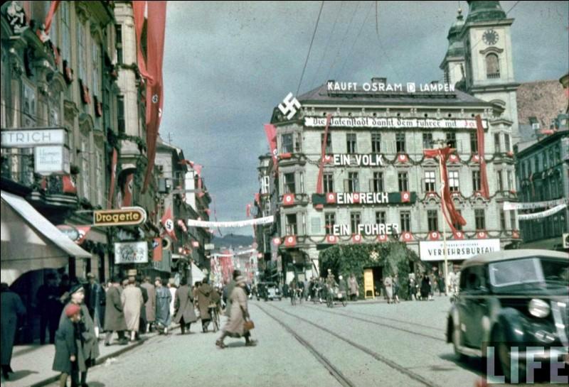 Quel pays annexa-t-il en 1938 ?