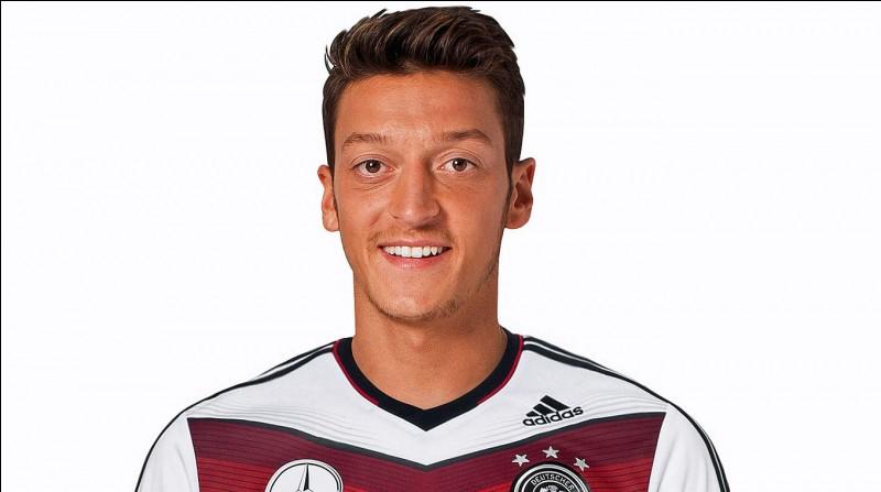 Quel est le club de cœur de Özil ?