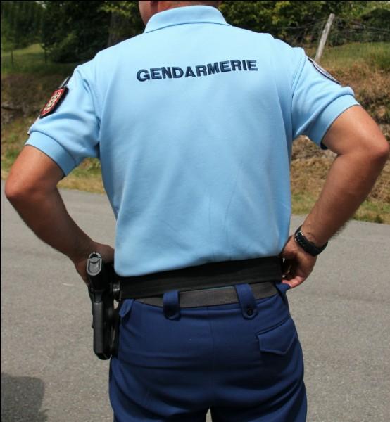 Cet agent vous demande de vous arrêter. Que risquez-vous si vous ne lui obéissez pas ?