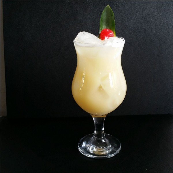 Quel jus de fruit entre dans la composition de la Piña colada ?