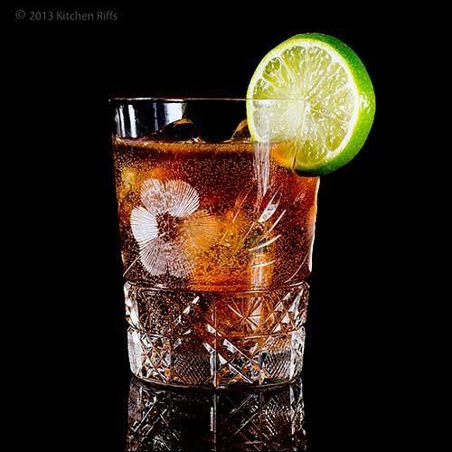 Quel nom porte le cocktail conciliant le rhum et le coca ?