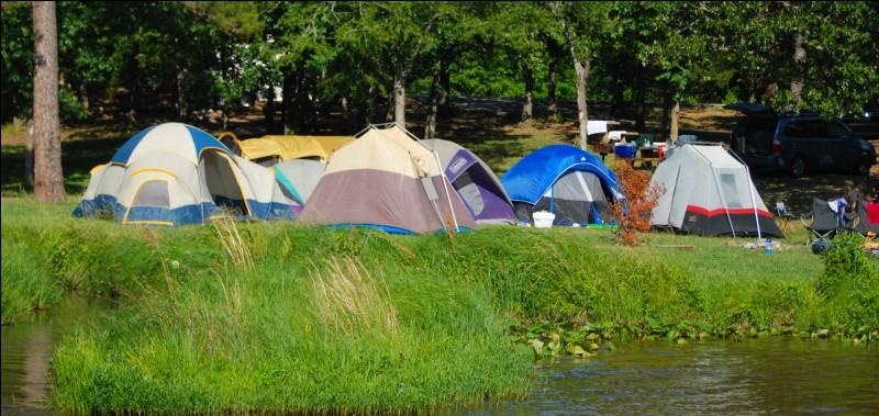 Te voilà au camping des Mouettes ! Mais au fait, il se trouve :