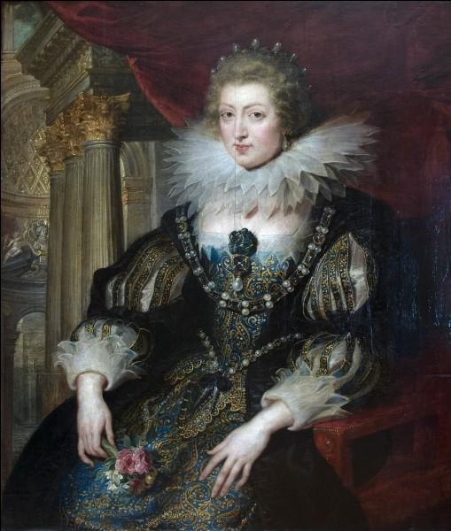 En quelle année, la reine-mère Anne d'Autriche a-t-elle été convaincue de trahison pour avoir correspondu avec l'Espagne en guerre contre la France ?
