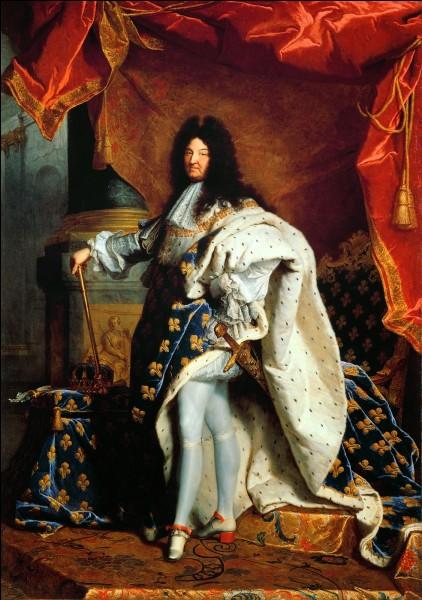 Quelle phrase aurait prononcée Louis XIV en sortant de la salle du Parlement à Versailles le 13 avril 1655 ?