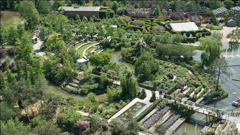Ce parc a pour thème l'univers du végétal. Il s'agit du...