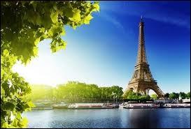 En général, quelle est la durée du jour en août, en prenant Paris pour référence ?