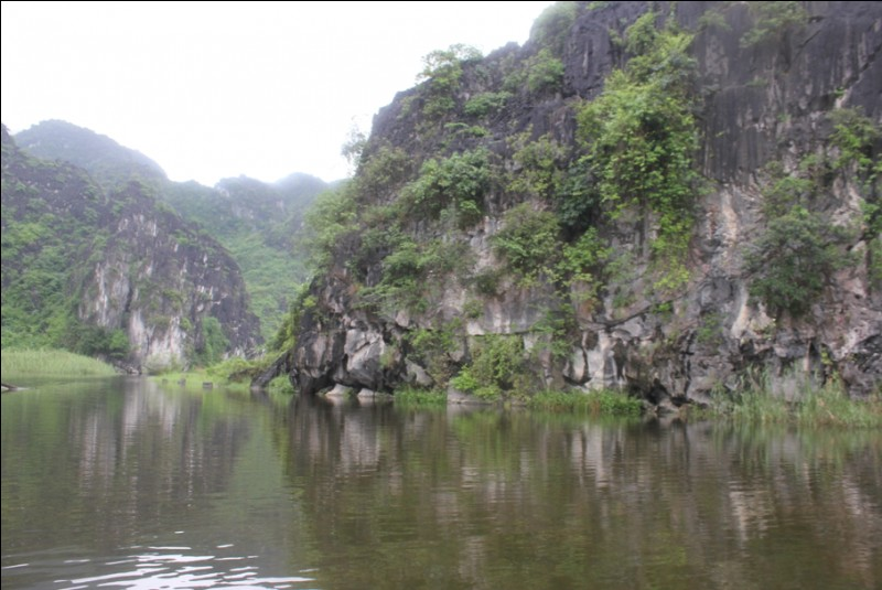 Dans quelle région se trouve la baie d'Ha Long terrestre ?