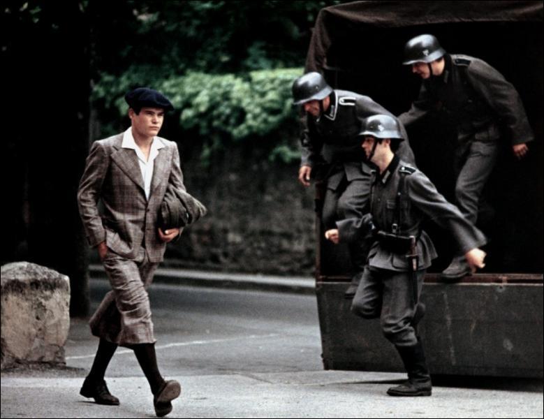 Un film de Louis Malle  en 1974 avec Pierre blaise et Aurore Clément ...